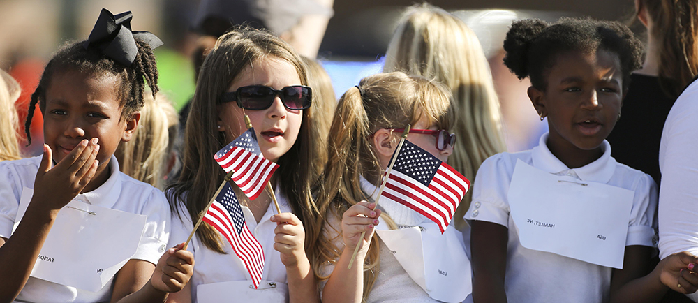 Military-children-flags_slider